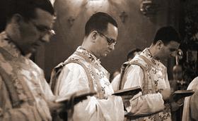 Há 70 anos, os três primeiros sacerdotes